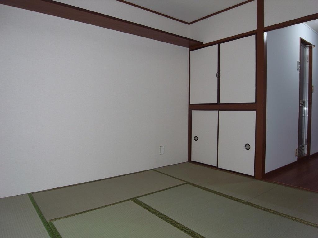 Bedroom (tatami floor)
