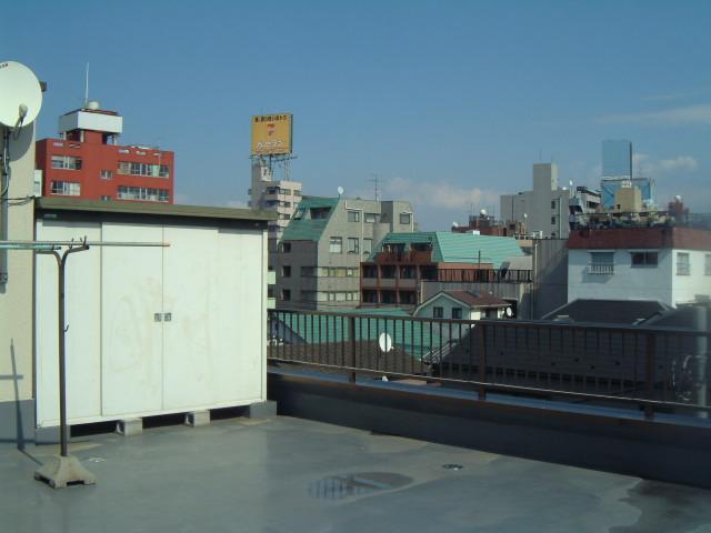 Neighborhood (a rooftop observation platform)