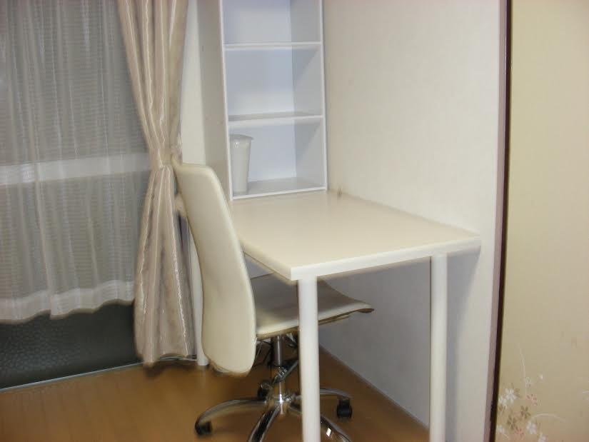 Bedroom (Desk and Chair)