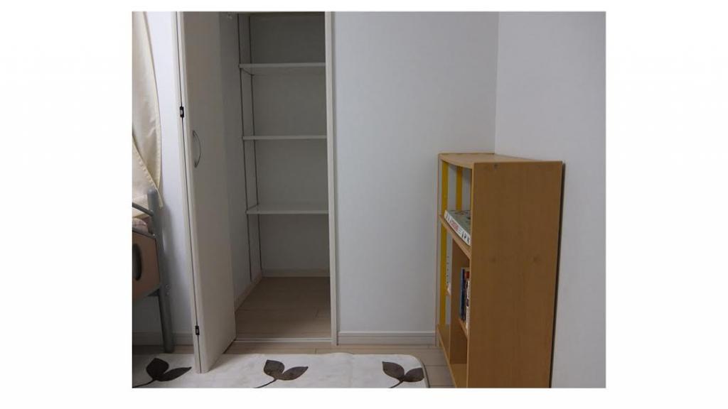Bedroom (Room 302)