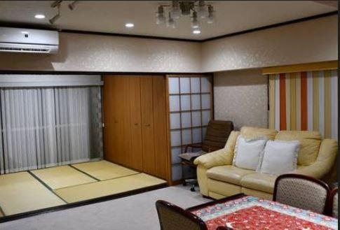 (Livingroom & Room 4)