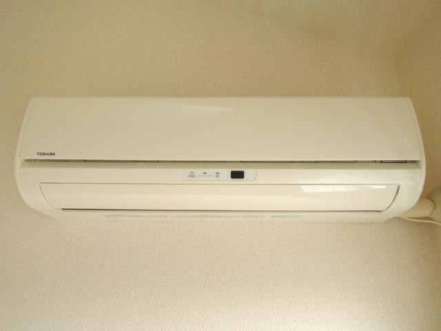 Bedroom (Air conditioner & Heater)