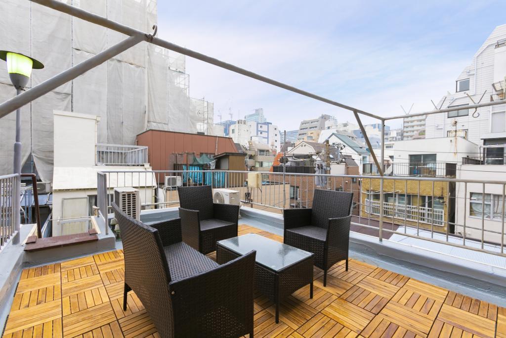 Balcony/Veranda (Rooftop observation platform)