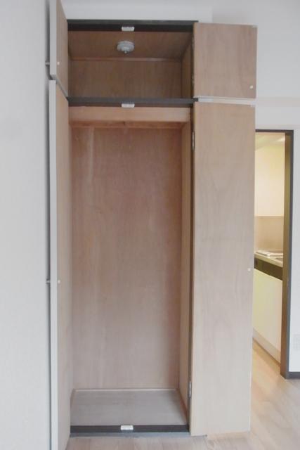 Common Area (Closet)