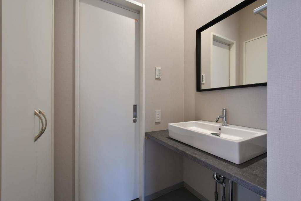 Washroom (Shared)