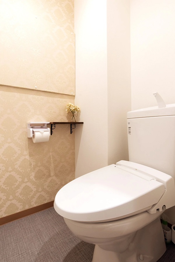 (1F: Washlet Toilet )