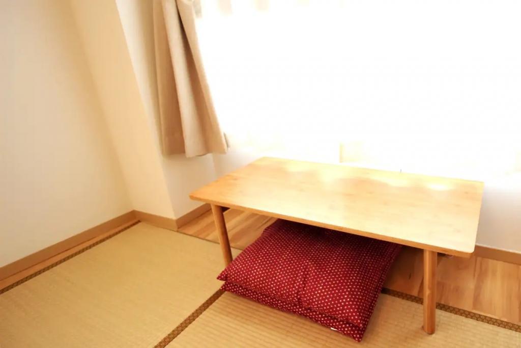(4F: Tatami Room)
