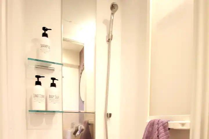 (3F: Shower Room)