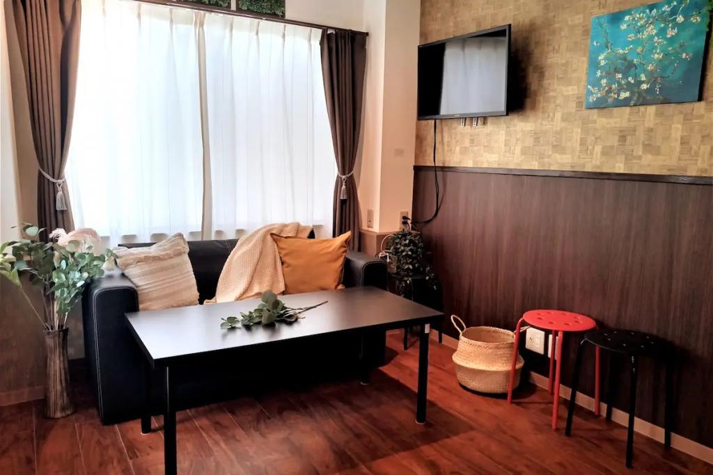 (1F: Living Room)