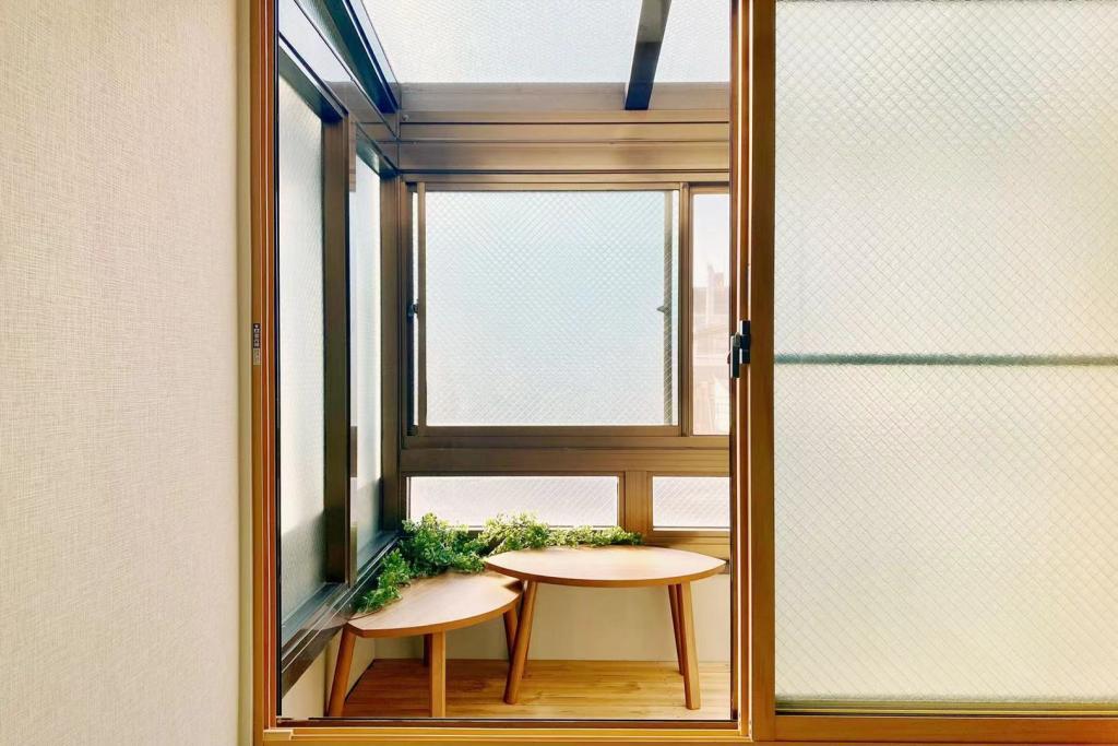 Balcony/Veranda (Room 301)