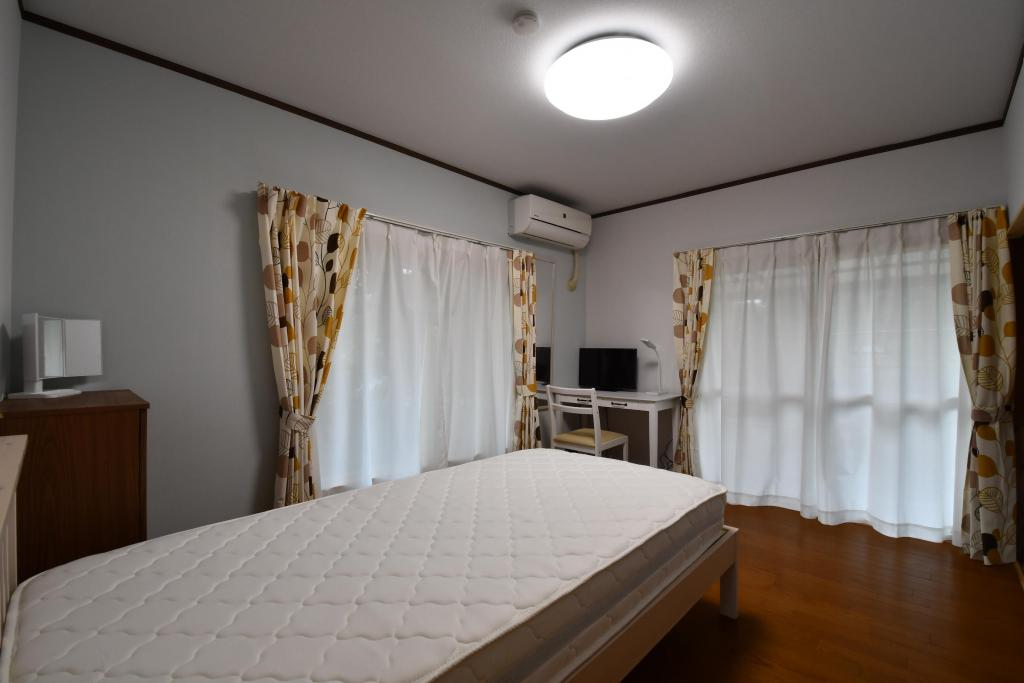 Bedroom (Private Room)