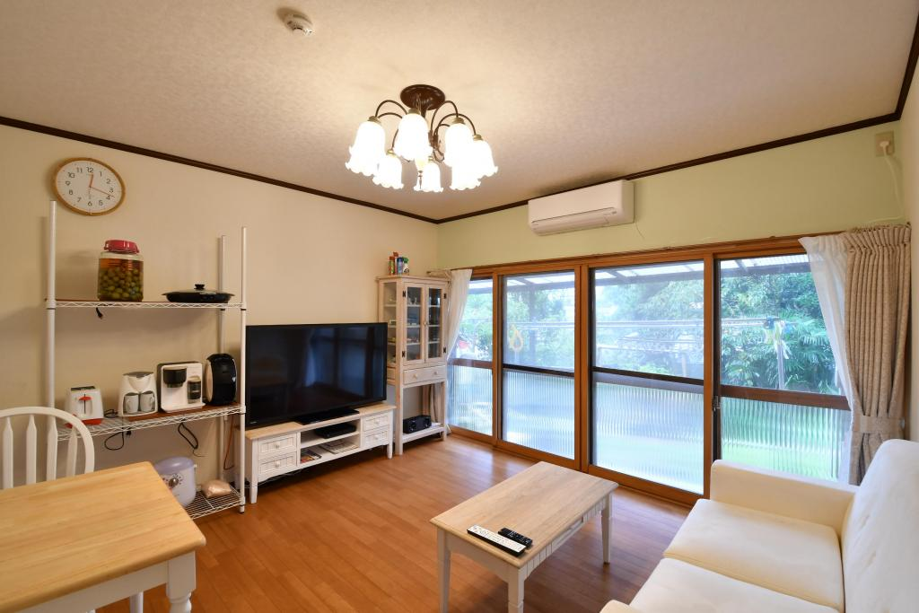 Common Area (Living Room)
